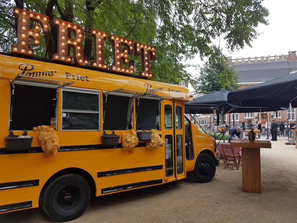 defrieschoolbus.nl | verhuur friet(foodtrucks) | Nederland | schoolbus friet rijksmuseum
