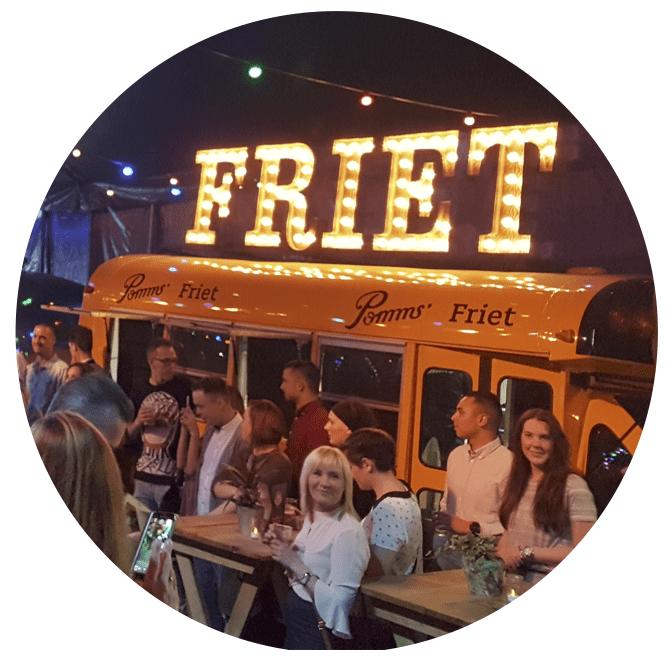 defrieschoolbus.nl | verhuur friet(foodtrucks) | Nederland | schoolbus friet evenement